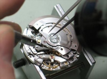 Replacing small watch clockworks (formerly needing winding up)